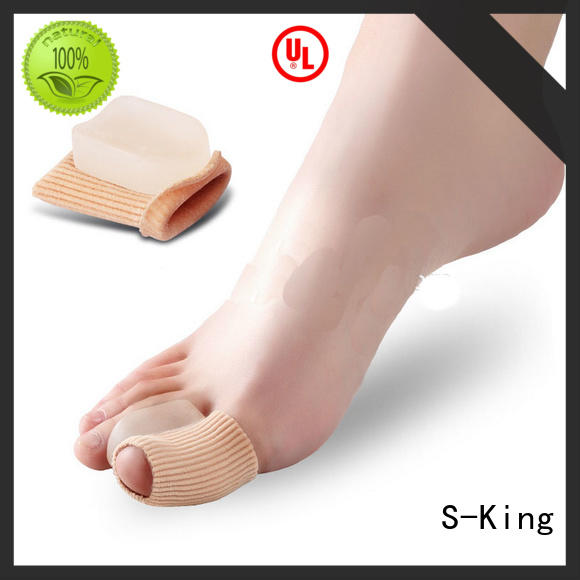 silicone gel toe spreader for overlapping toes